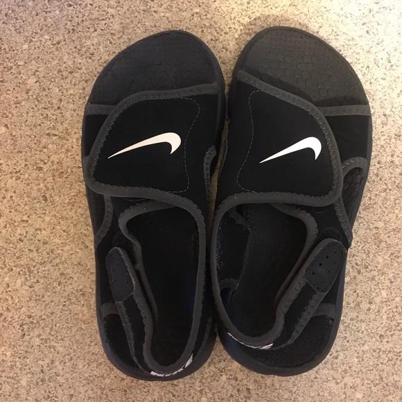 Poshmark Sandals Nike Boys Euc Shoes 11 qqEXr